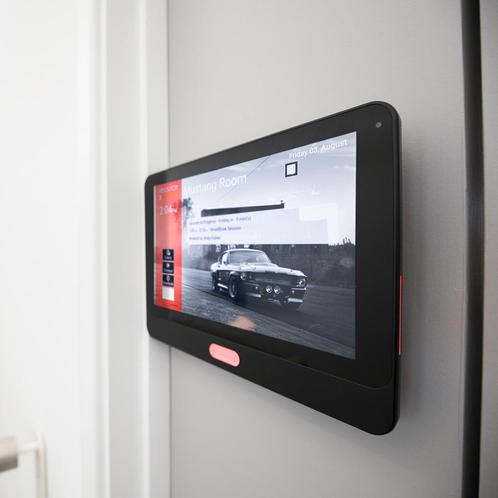Aura Meeting Room Screens